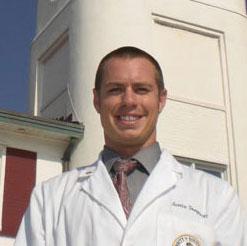 Portrait of Dr. Justin Sempsrott