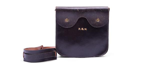 CRCC Nursing Auxiliary member's regulation pouch (to replace a purse), 1940-45