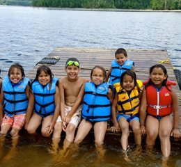 Children in the Red Cross Swim at Camp program