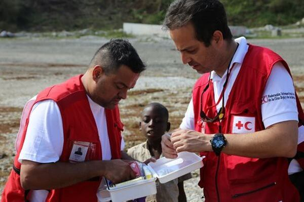 IFRC's Colin Chaperon and Raziel Uranga getting ready to provide first aid